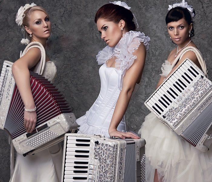 Brides-Accordion_2